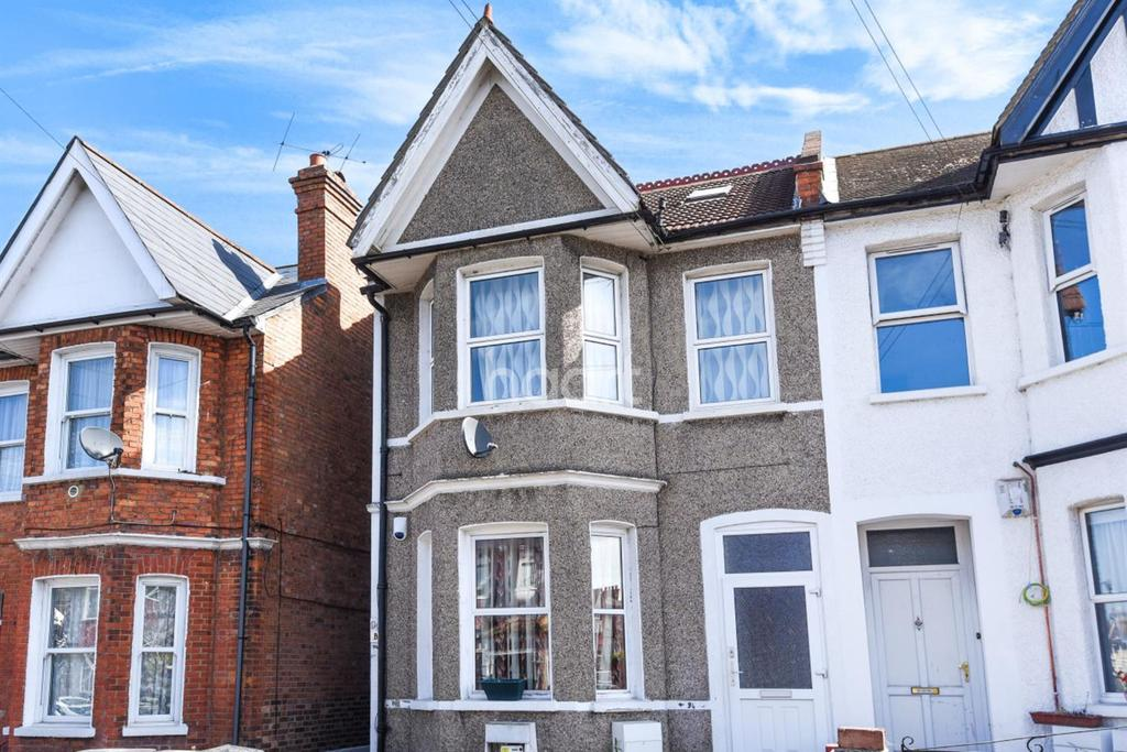 2 Bedrooms Maisonette Flat for sale in Melfort Road, Thornton Heath, CR7