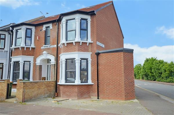 6 Bedrooms End Of Terrace House for sale in Altmore Avenue, East Ham