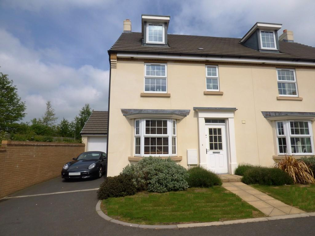 4 Bedrooms Semi Detached House for sale in Lower Trindle Close, Chudleigh, TQ13 0FB