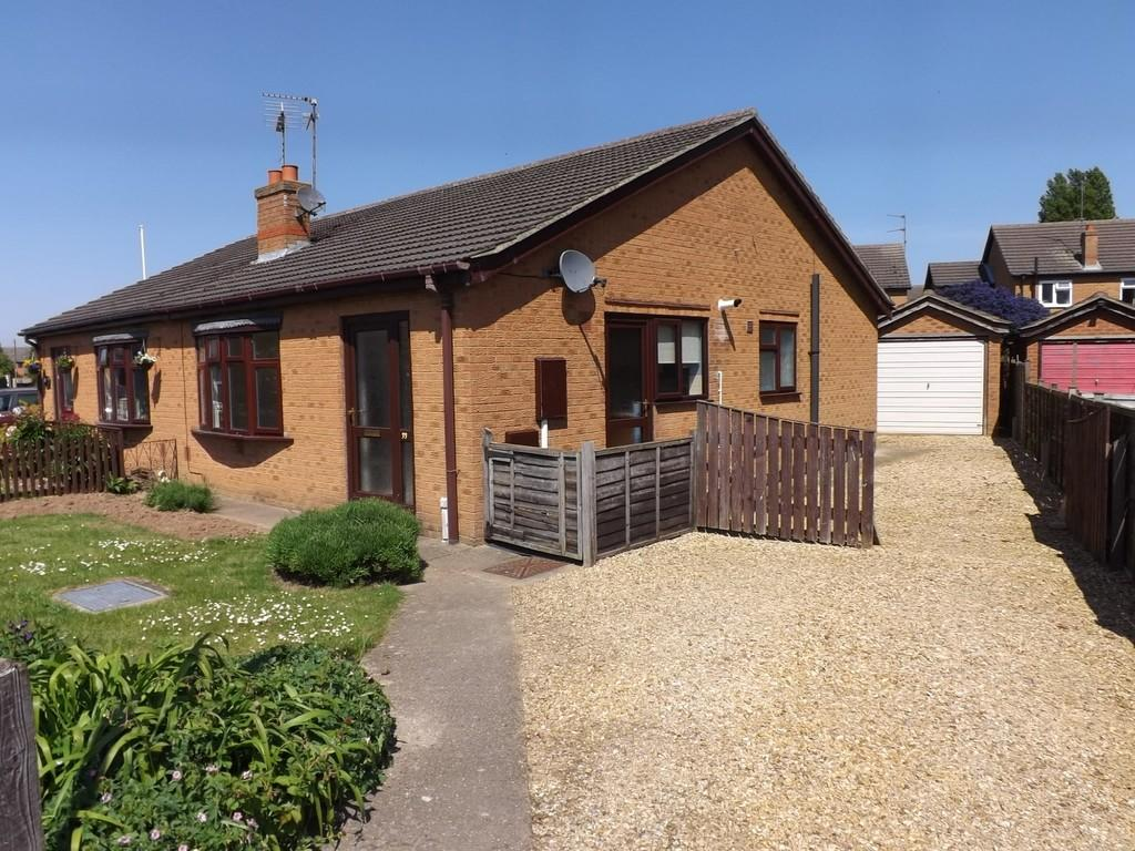 2 Bedrooms Semi Detached Bungalow for sale in Holbeach