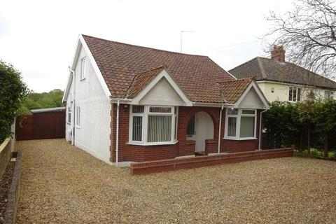 3 bedroom chalet for sale - Norwich Road, New Costessey, Norwich