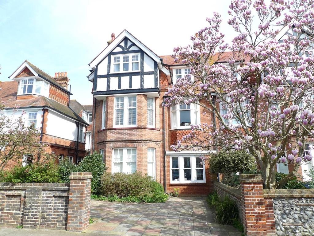 2 Bedrooms Apartment Flat for sale in Arlington Road, Eastbourne, BN21