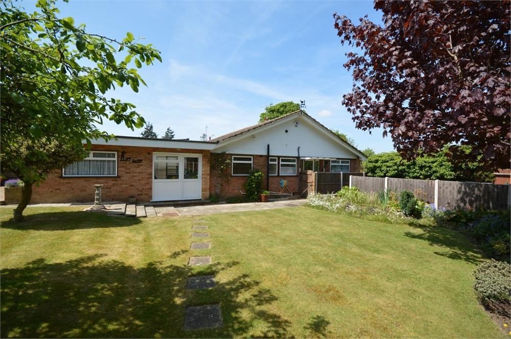 Selbourne Close New Barn 2 Bed Detached Bungalow For Sale