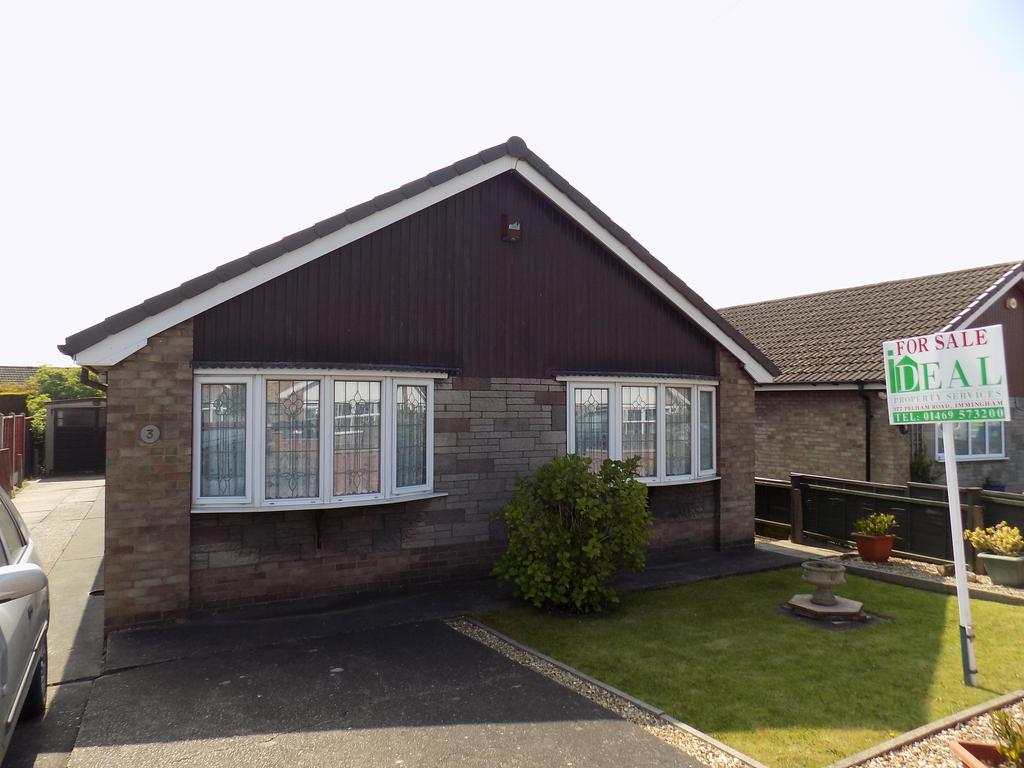 3 Bedrooms Detached Bungalow for sale in Cedar Drive, Immingham DN40