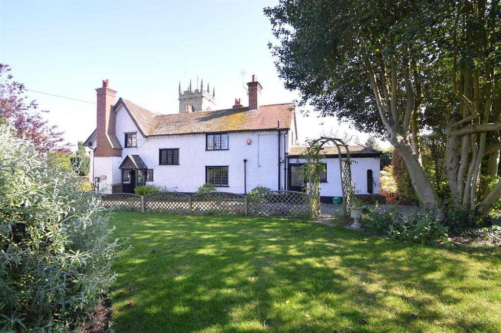 4 Bedrooms Semi Detached House for sale in White Cottage, Church Street, Shawbury, SY4 4NH