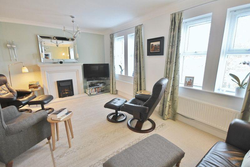 3 Bedrooms Town House for sale in Park View, Alnwick