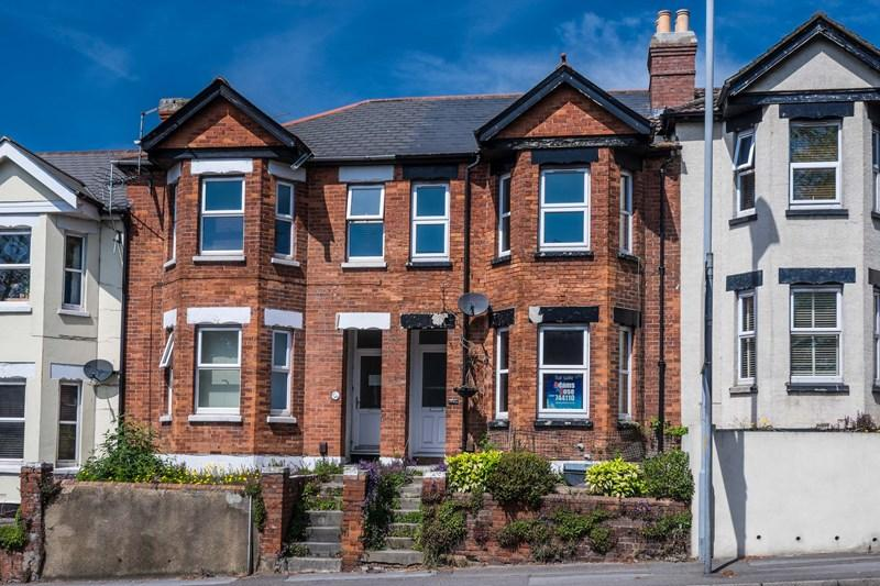 3 Bedrooms Terraced House for sale in Bournemouth Road, Parkstone, Poole