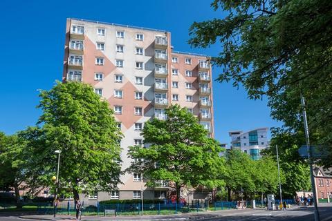 2 bedroom flat for sale - Lagland Street, Poole