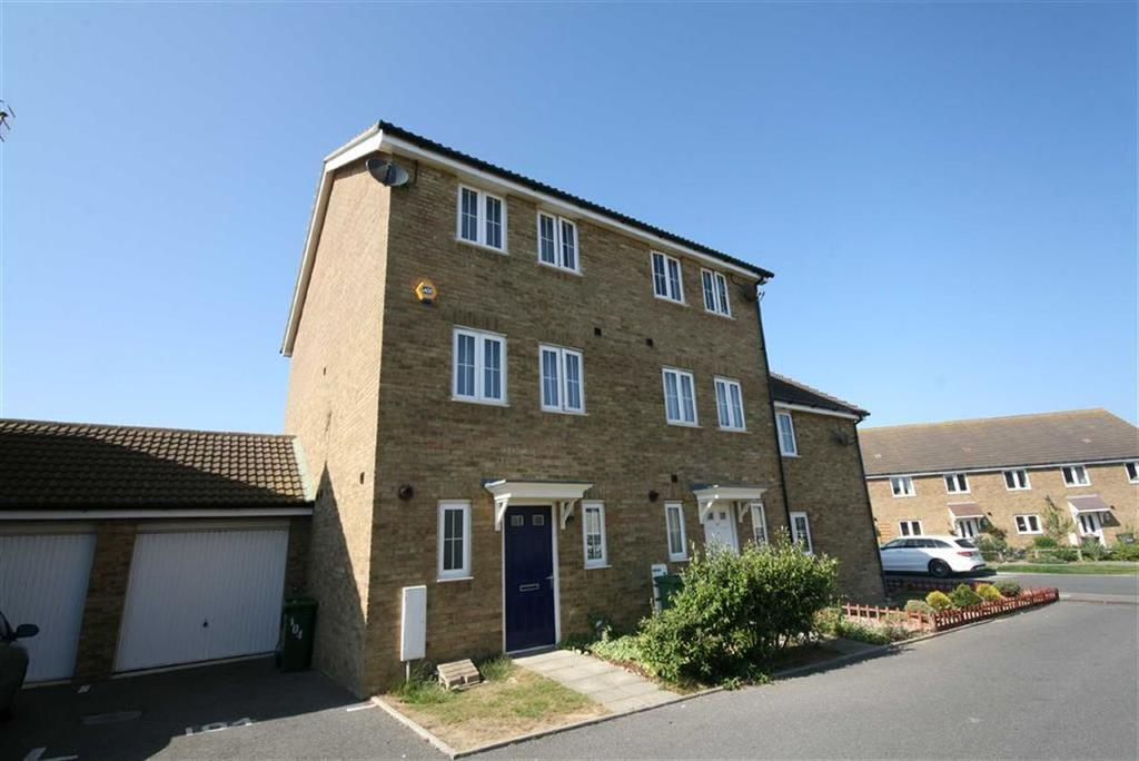 4 Bedrooms Semi Detached House for sale in Westview Close, Peacehaven