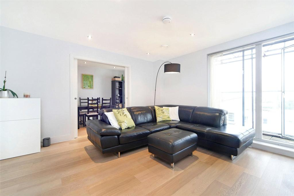 3 Bedrooms Flat for sale in Theatro Tower, Creek Road, London, SE8