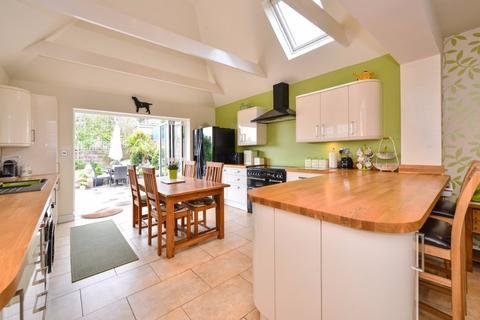 3 bedroom detached house for sale - Arundel Drive East Saltdean  BN2