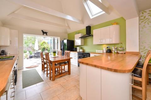 3 bedroom detached house for sale - Arundel Drive East, Saltdean, , BN2