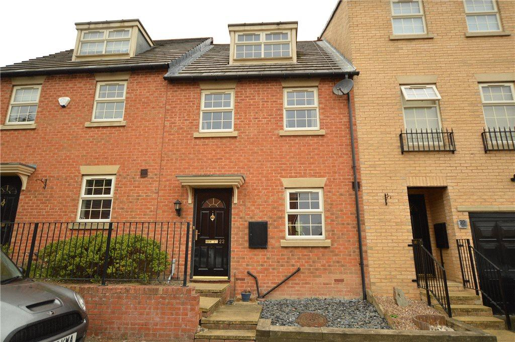 3 Bedrooms Terraced House for sale in Goffee Way, Churwell, Leeds