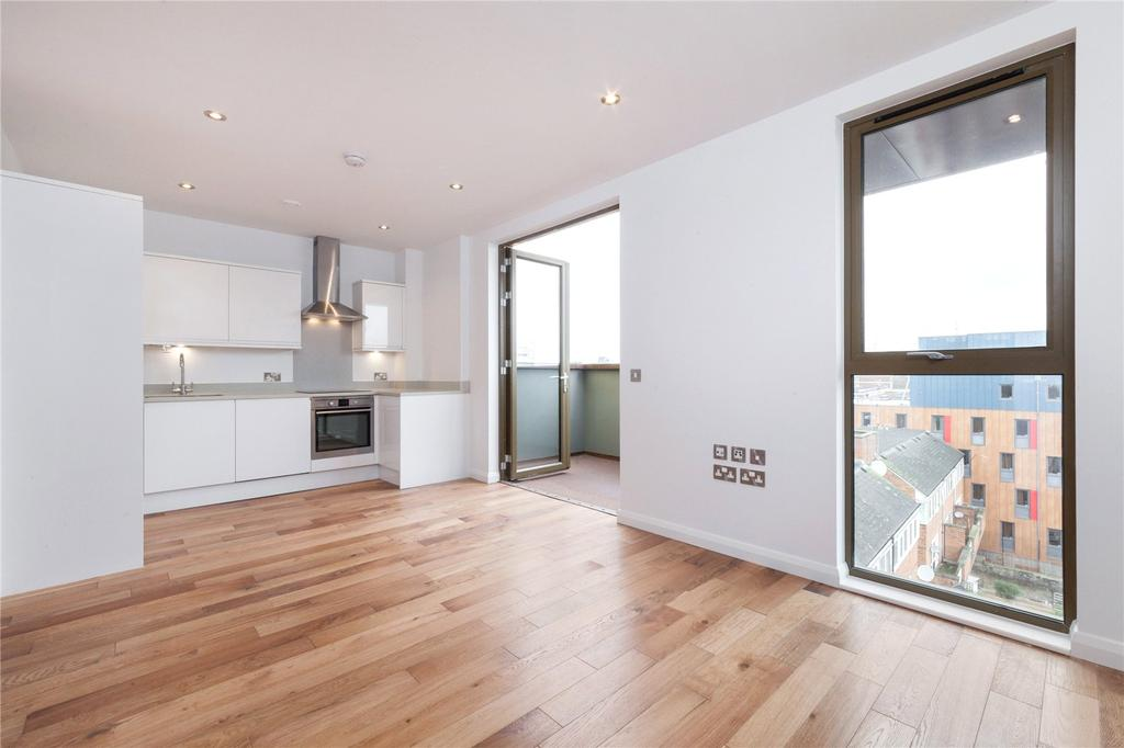 3 Bedrooms Flat for sale in Pitfield Street, London