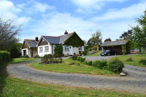 5 bedroom detached bungalow for sale - Abbotsham, Bideford