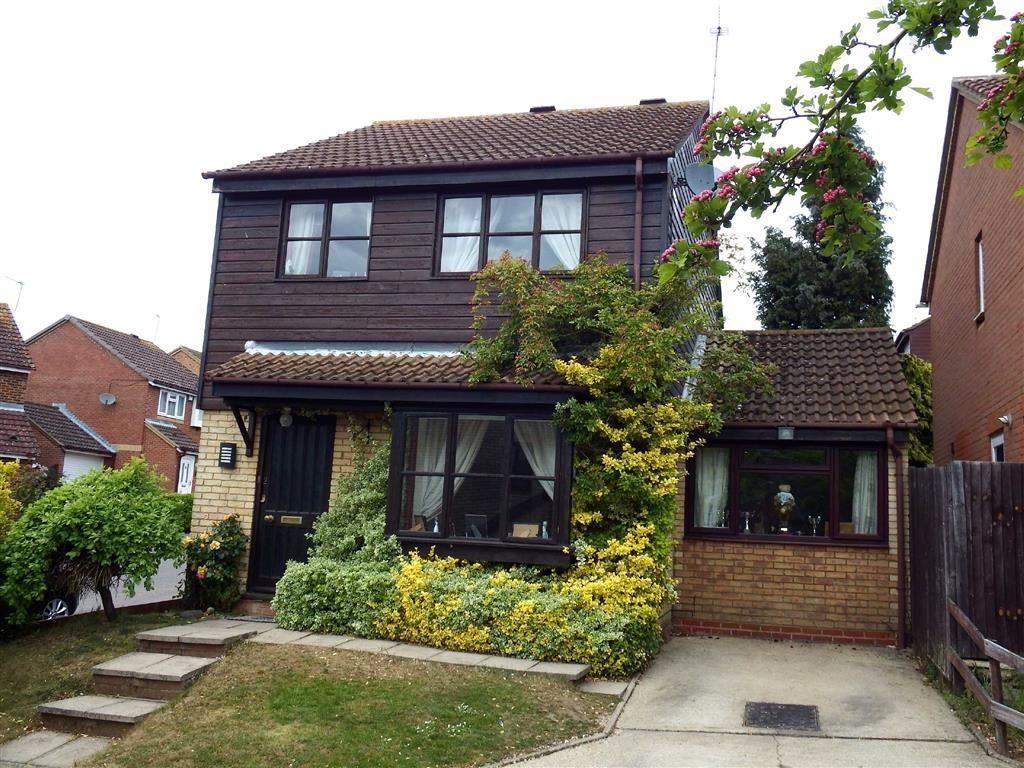 3 Bedrooms Detached House for sale in Wheatlands, Stevenage, Hertfordshire, SG2