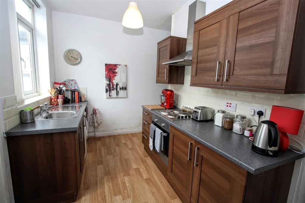 2 Bedrooms Terraced House for sale in Reid Street, Darlington