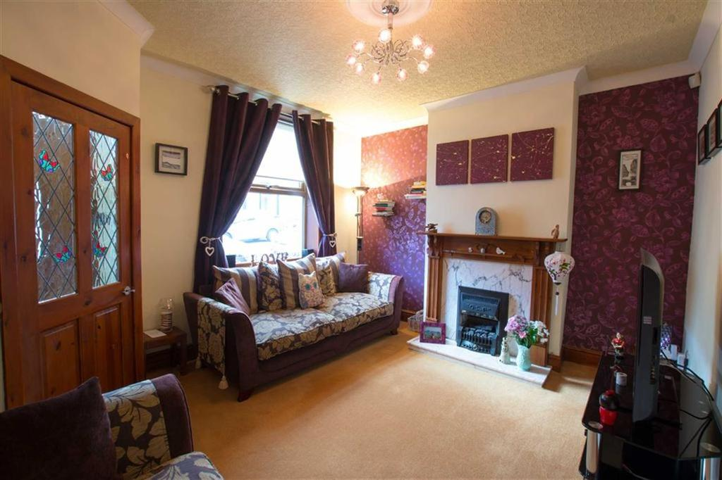 2 Bedrooms Terraced House for sale in Bolton Grove, Barrowford, Lancashire