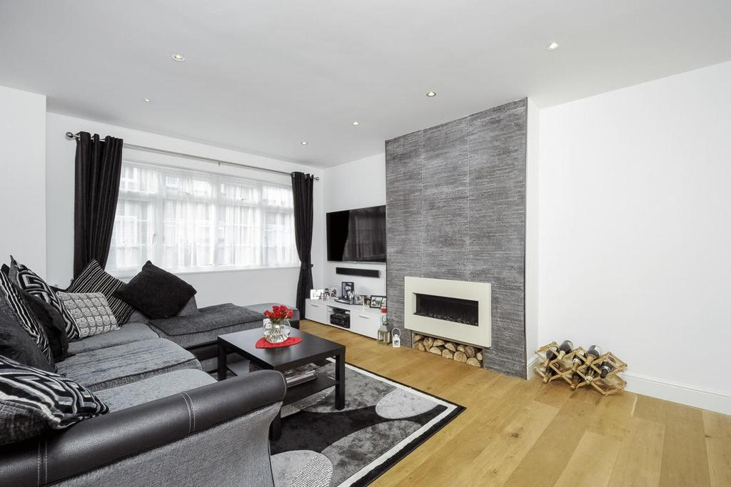 2 Bedrooms Flat for sale in Friern Park, North Finchley