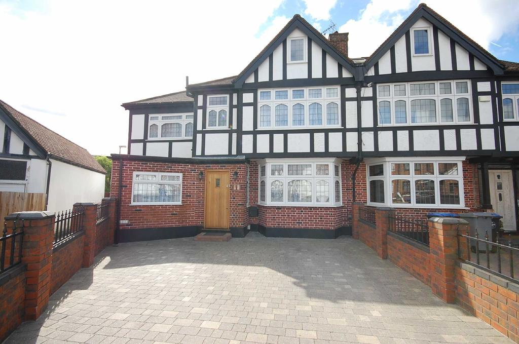 7 Bedrooms Semi Detached House for sale in Kinross Close, Harrow HA3 0UE