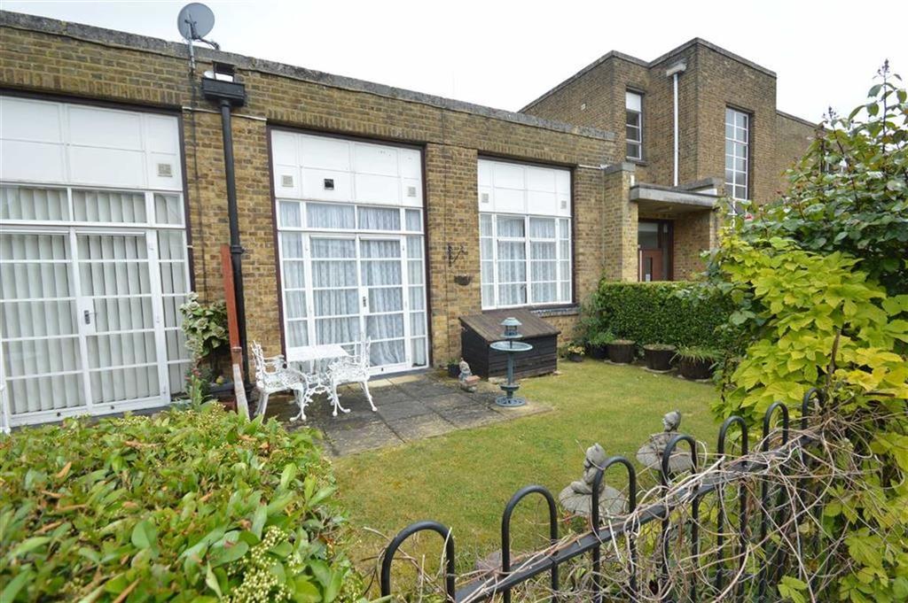 1 Bedroom Retirement Property for sale in Chelsea Court, Rochford, Essex