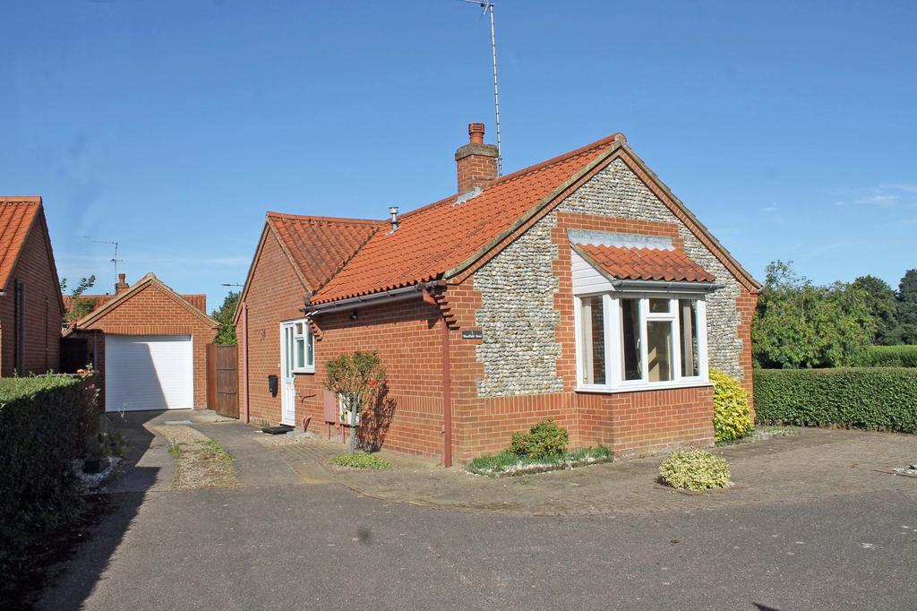 2 Bedrooms Detached Bungalow for sale in Holt NR25