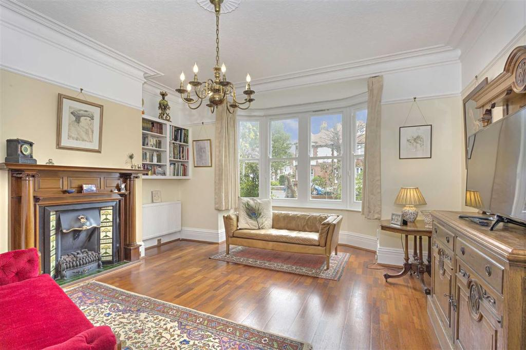 6 Bedrooms Semi Detached House for sale in Pembroke Avenue, Hove, East Sussex