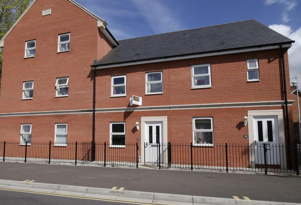2 Bedrooms Terraced House for sale in William Street, Tiverton