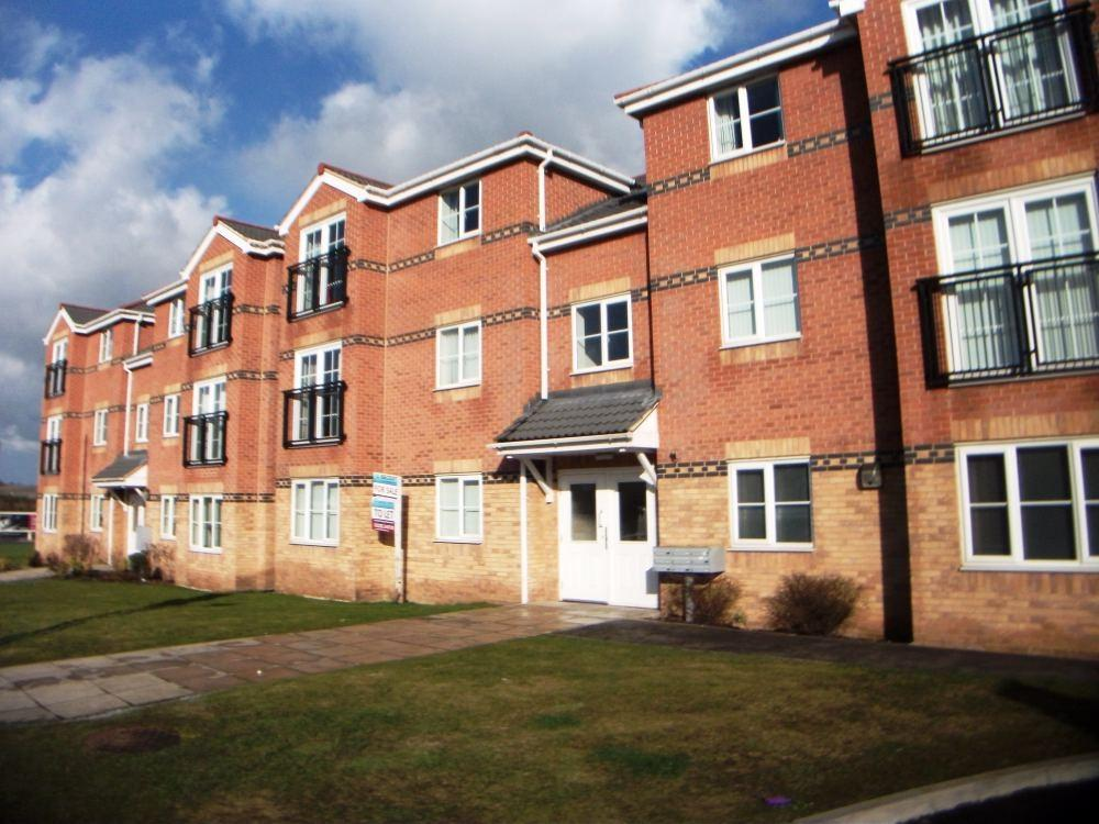2 Bedrooms Flat for sale in Carlton Court, Carlton, Barnsley, South Yorkshire