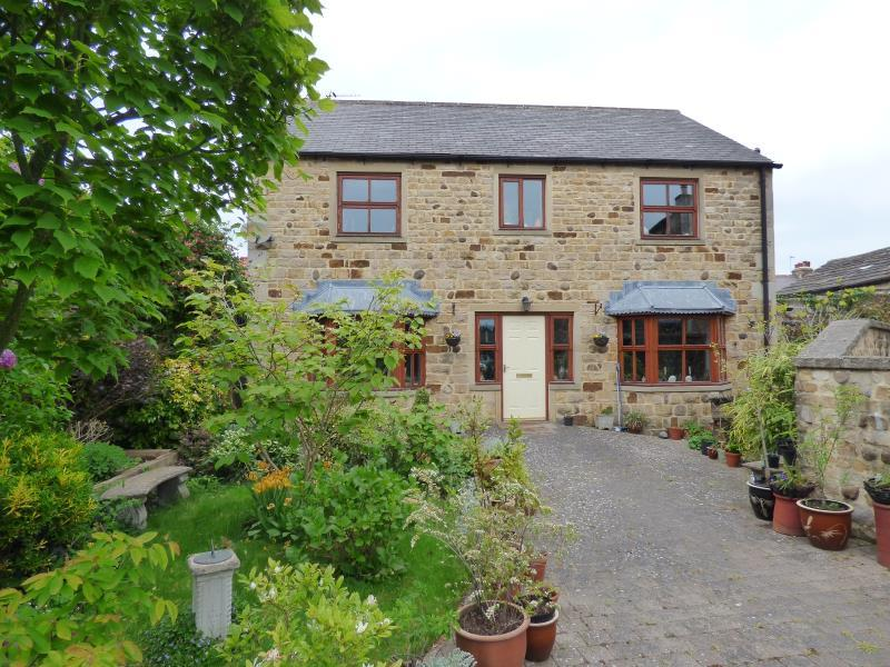 4 Bedrooms Detached House for sale in COLLEGE COURT, COLLEGE LANE, MASHAM, HG4 4HE