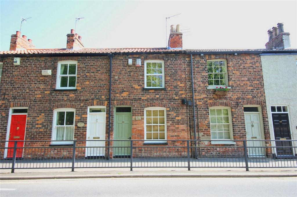 2 Bedrooms Terraced House for sale in Hallgate, Cottingham, East Riding of Yorkshire