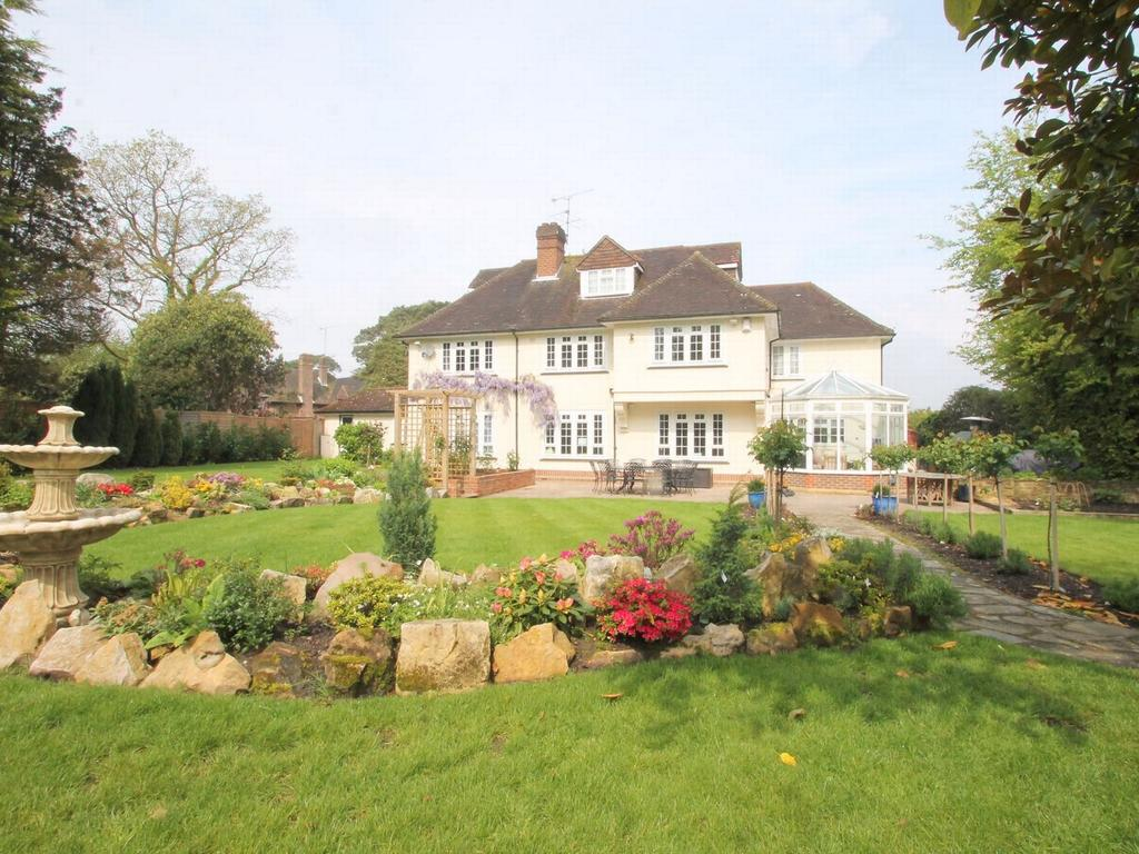 6 Bedrooms Detached House for rent in Heath Rise, Camberley, Surrey