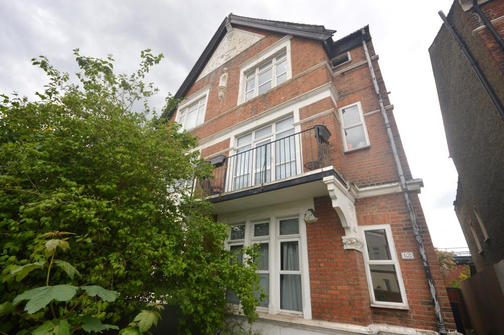 2 Bedrooms Flat for sale in Sternhold Avenue Brixton SW2