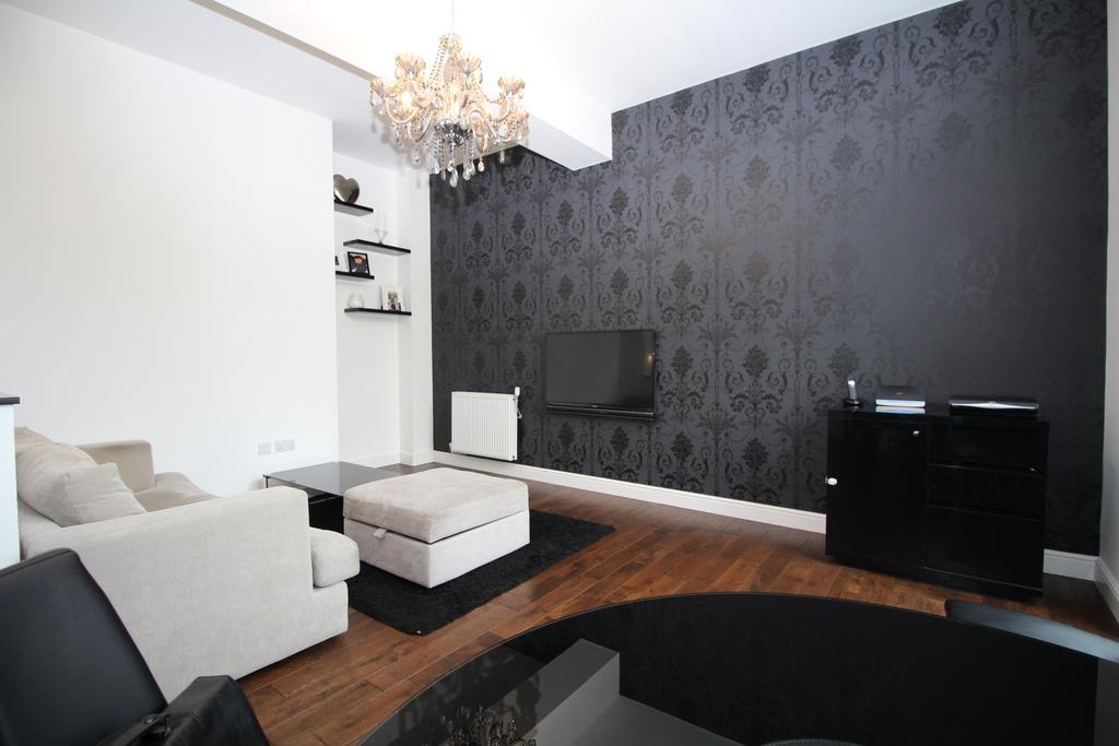 2 Bedrooms House for sale in Chapel Drive Dartford DA2