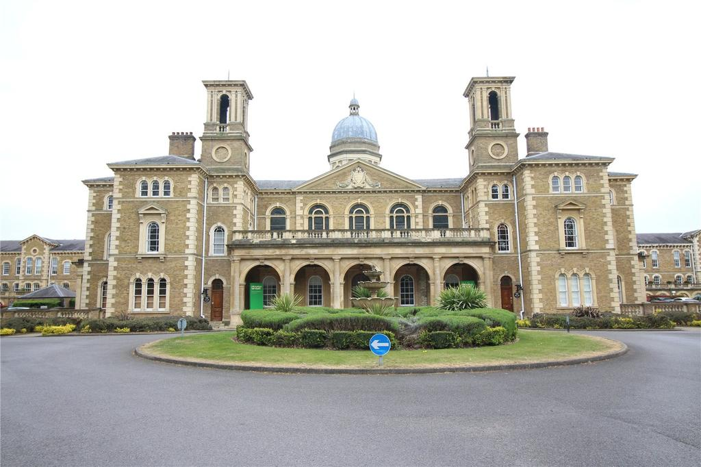 2 Bedrooms Apartment Flat for sale in Princess Park Manor, Royal Drive, Southgate, London, N11