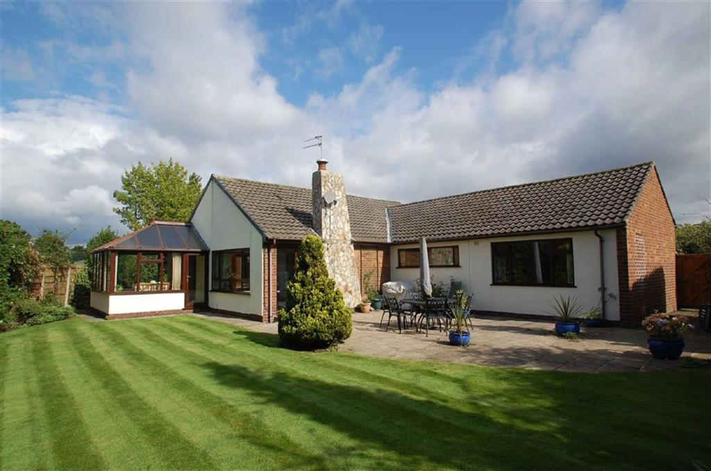 2 Bedrooms Detached Bungalow for sale in Ridgmont Road, Bramhall, Cheshire