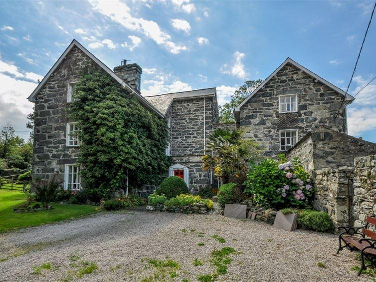 11 Bedrooms House for sale in Cae Nest Hall, Llanbedr, LL45