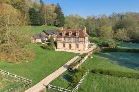9 bedroom detached house  - Manor House and Outbuildings, Lisieux, Normandy