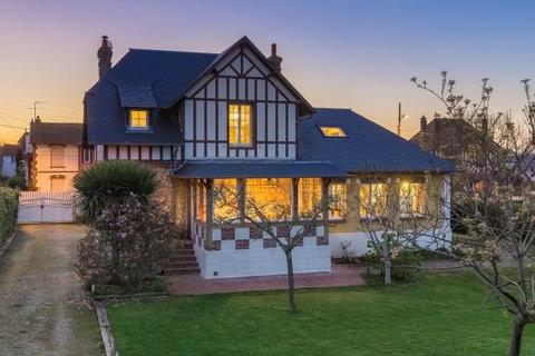 5 bedroom house  - House 700M From The Beach, Villers-Sur-Mer, Normandy