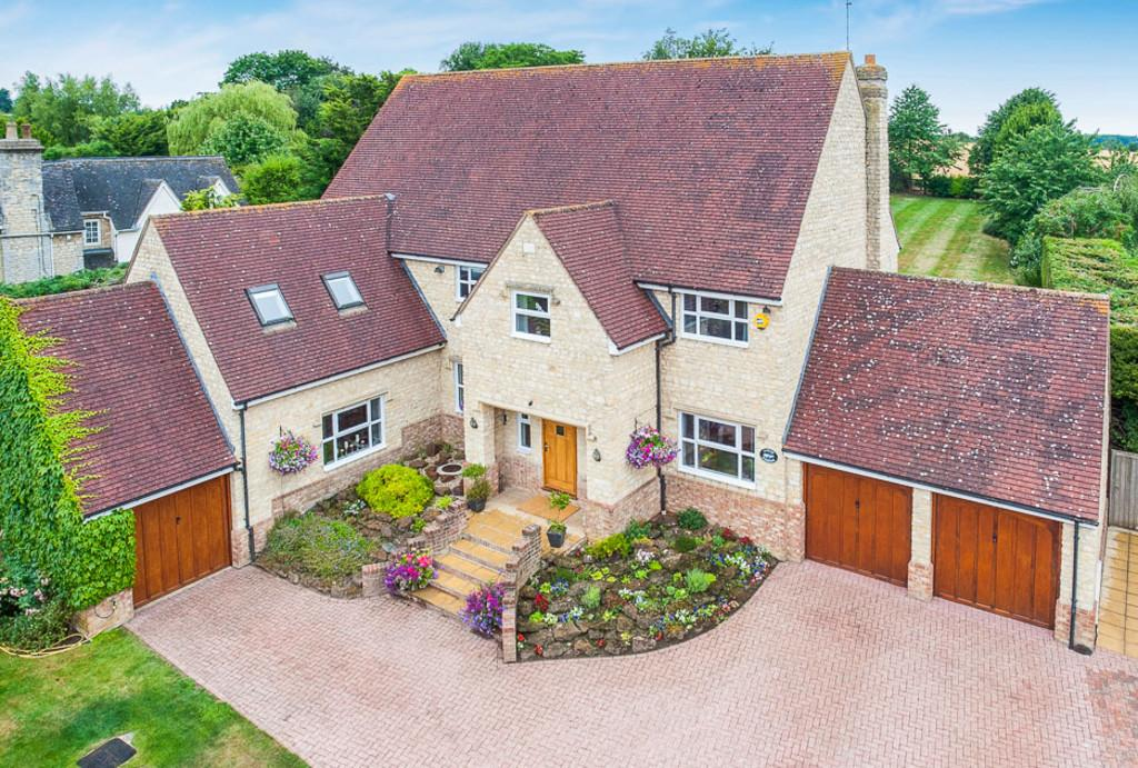 5 Bedrooms Detached House for sale in Thornton, Milton Keynes