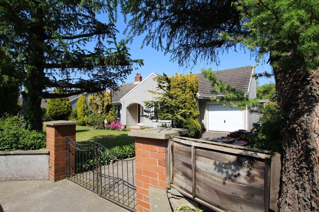 2 Bedrooms Detached Bungalow for sale in The Larches, 77 Saves Lane, Ireleth