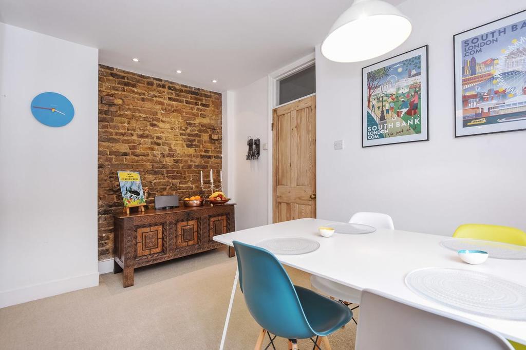 2 Bedrooms Maisonette Flat for sale in South Park Road, Wimbledon
