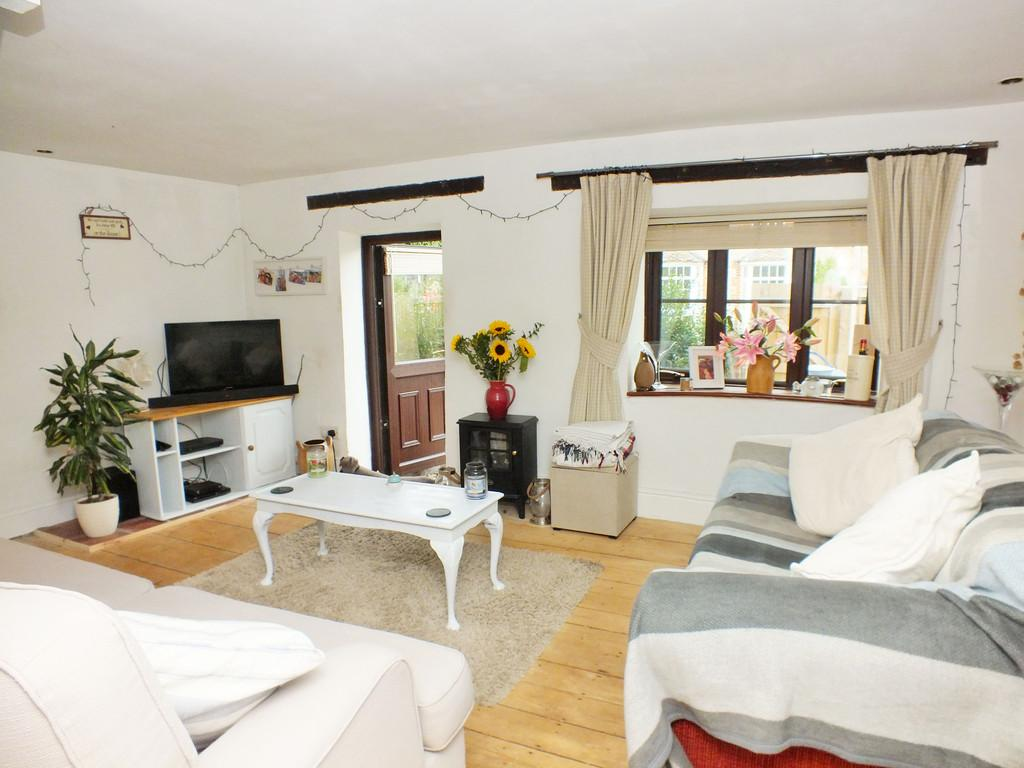 2 Bedrooms Cottage House for sale in Watchfield