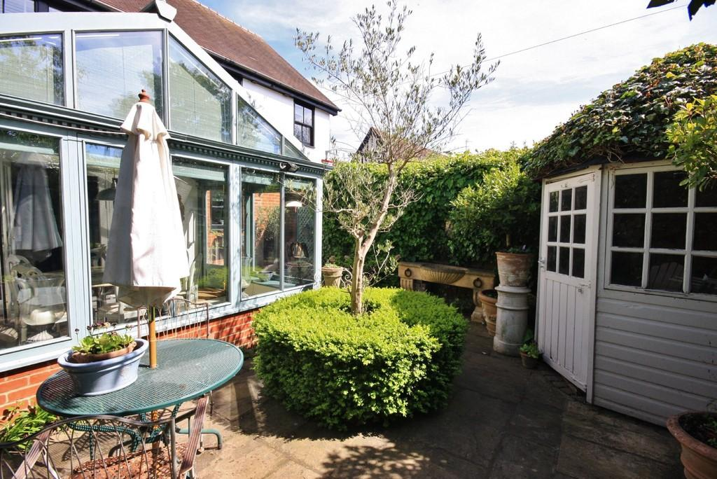 3 Bedrooms Detached House for sale in High Street, Puckeridge