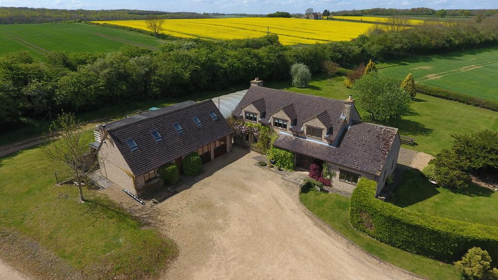 4 Bedrooms Detached House for sale in Castle Bytham