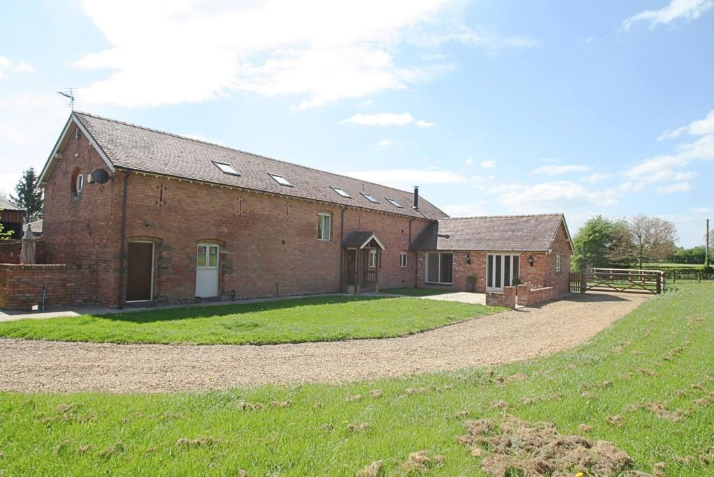 5 Bedrooms Barn Conversion Character Property for sale in Gradeley Green Barn, Burland, CW5 8NN