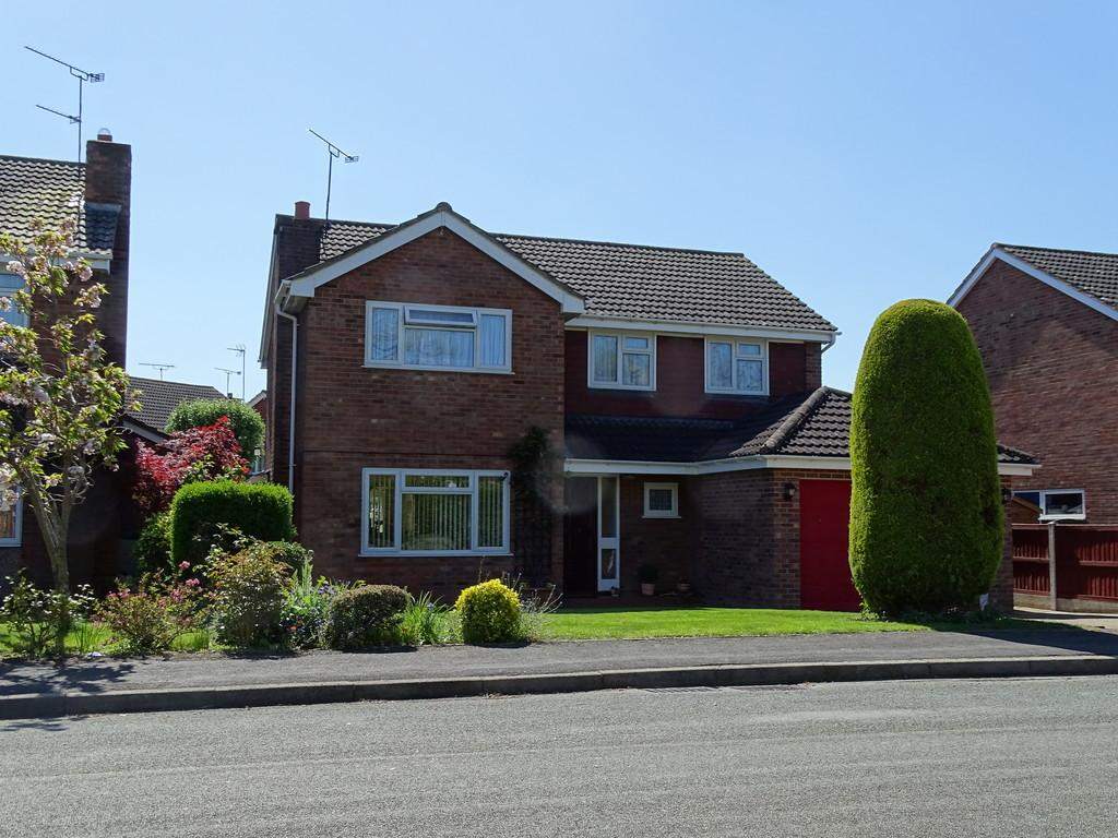 4 Bedrooms Detached House for sale in Lime Tree Drive, Farndon, Chester