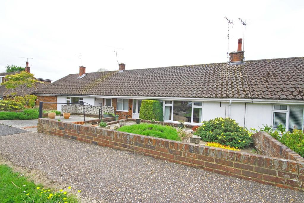 2 Bedrooms Terraced Bungalow for sale in Steyning