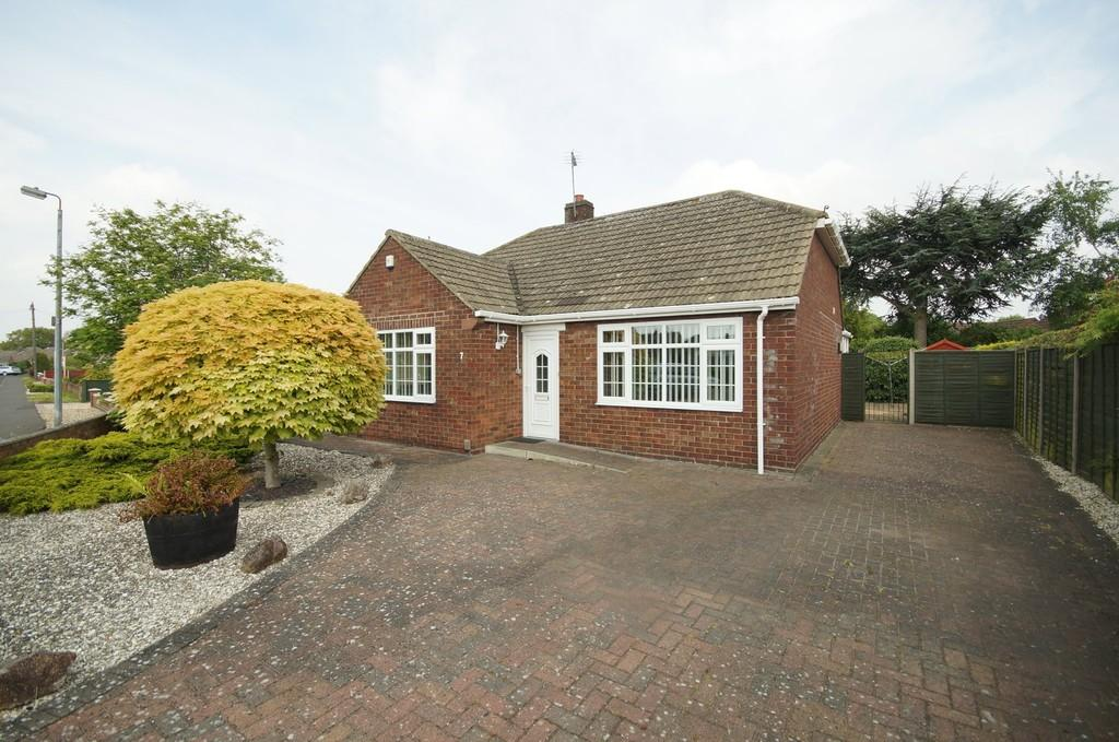 2 Bedrooms Detached Bungalow for sale in Macmillan Avenue, North Hykeham, Lincoln