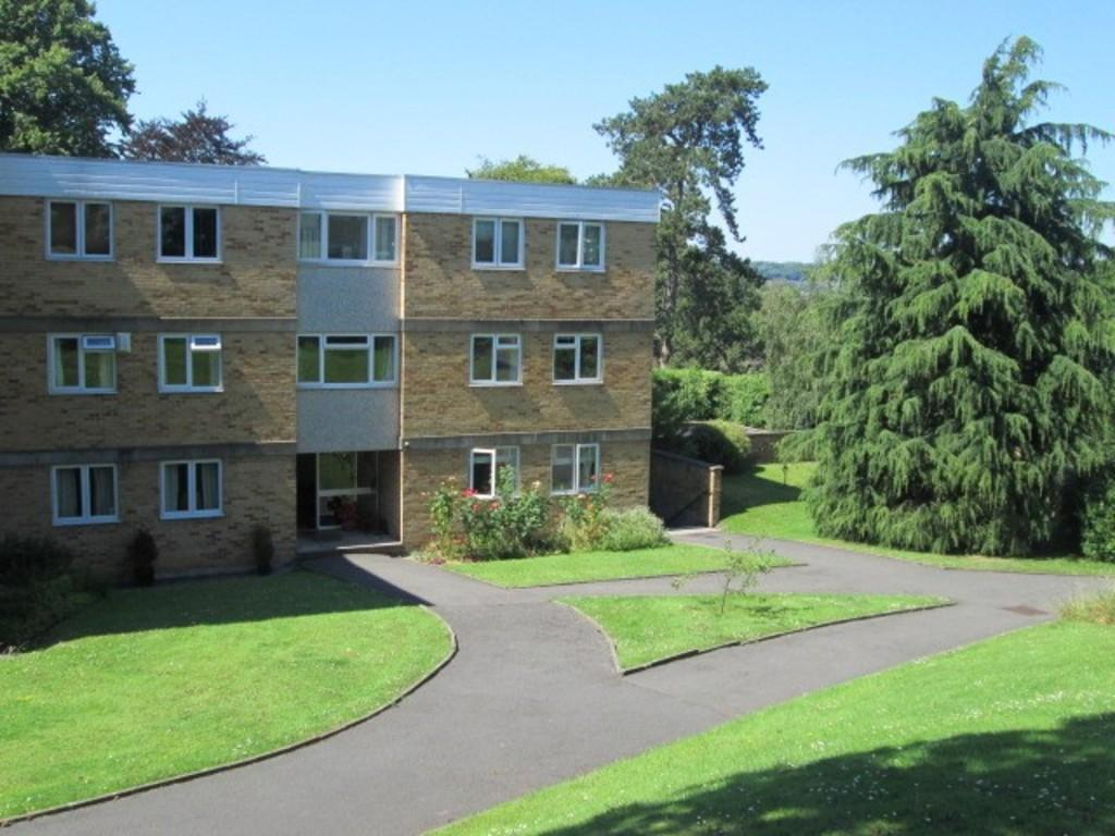 3 Bedrooms Apartment Flat for rent in Sneyd Park, The Cedars, BS9 1QA